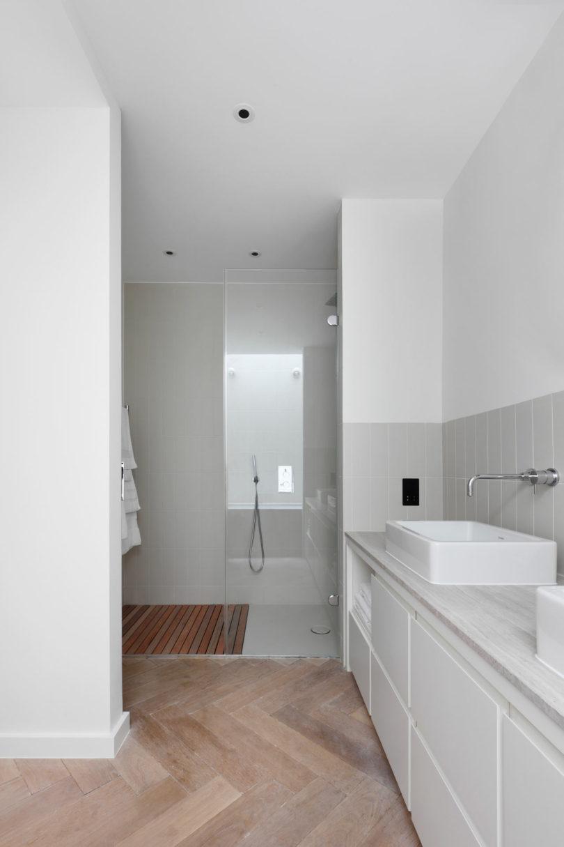 Courtyard-House-DeRoseeSaArchitects-12-810x1215