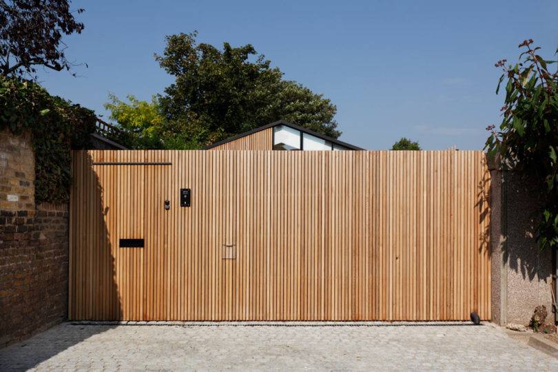 Courtyard-House-DeRoseeSaArchitects-19-810x540