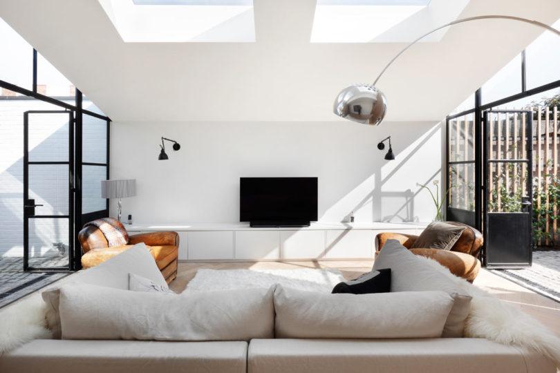 Courtyard-House-DeRoseeSaArchitects-4-810x540